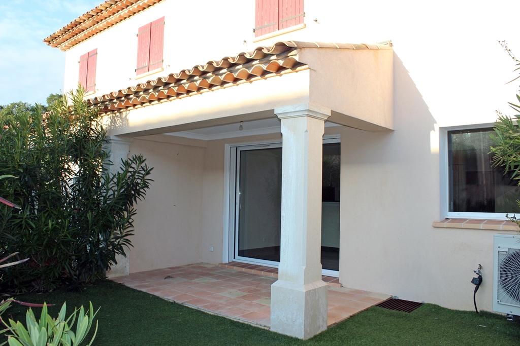 Vente vente maison mitoyenne 4 pi ces avec jardin avec 2 for Location maison avec jardin 34