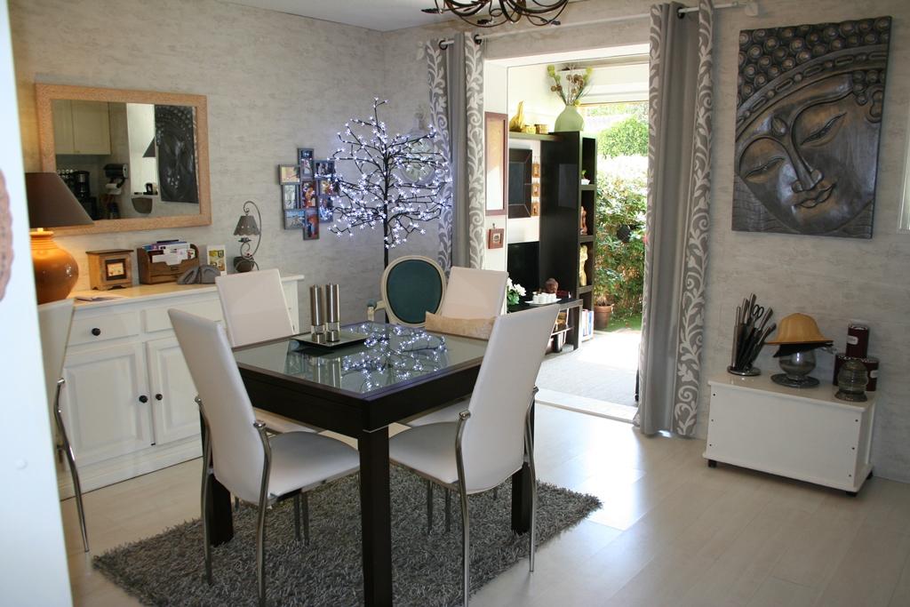 vente vente studio t2 rez de jardin avec piscine et gardien. Black Bedroom Furniture Sets. Home Design Ideas